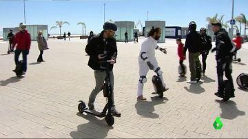 Los usuarios de los patinetes eléctricos protestan por la nueva normativa de la DGT