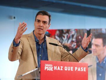 Pedro Sánchez en un acto de precampaña