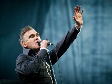 Morrissey durante un concierto en Escocia