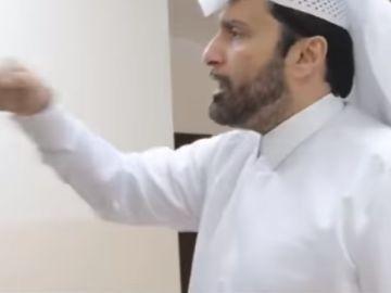 El sociólogo mostrando la manera correcta de pegar a una mujer según el islam