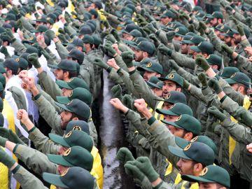 Decenas de efectivos de la Guardia Revolucionaria iraní durante una ceremonia