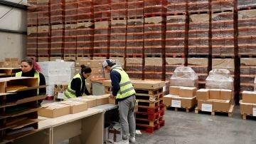 Centro logístico de la Comunidad de Madrid donde se prepara el material que permitirá votar