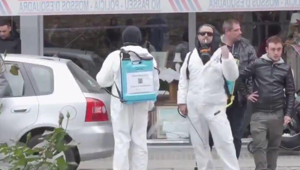 'Desinfectan' la calle por la que ha pasado Inés Arrimadas en Girona