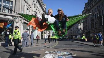 Manifestantes de 'Extinction Rebellion'