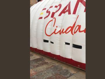 Carpa de Ciudadanos en Valencia acuchillada