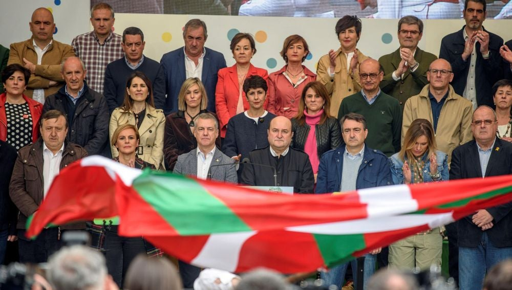 """El presidente del PNV, Andoni Ortuzar, ha advertido este domingo que """"quien quiera que el PNV se implique en el futuro político del Estado, deberá garantizar el autogobierno vasco y su actualización"""""""