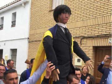 Queman una figura de Puigdemont en la fiesta de la Quema del Judas de Coripe, Sevilla