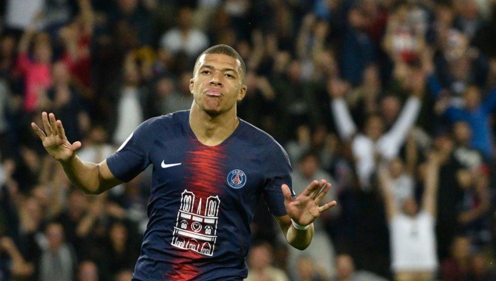 Kylian MBappé celebra un gol ante el Mónaco