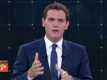 Debate electoral TVE | Las medidas económicas de Albert Rivera: eliminar el impuesto de sucesiones y premiar a los autónomos