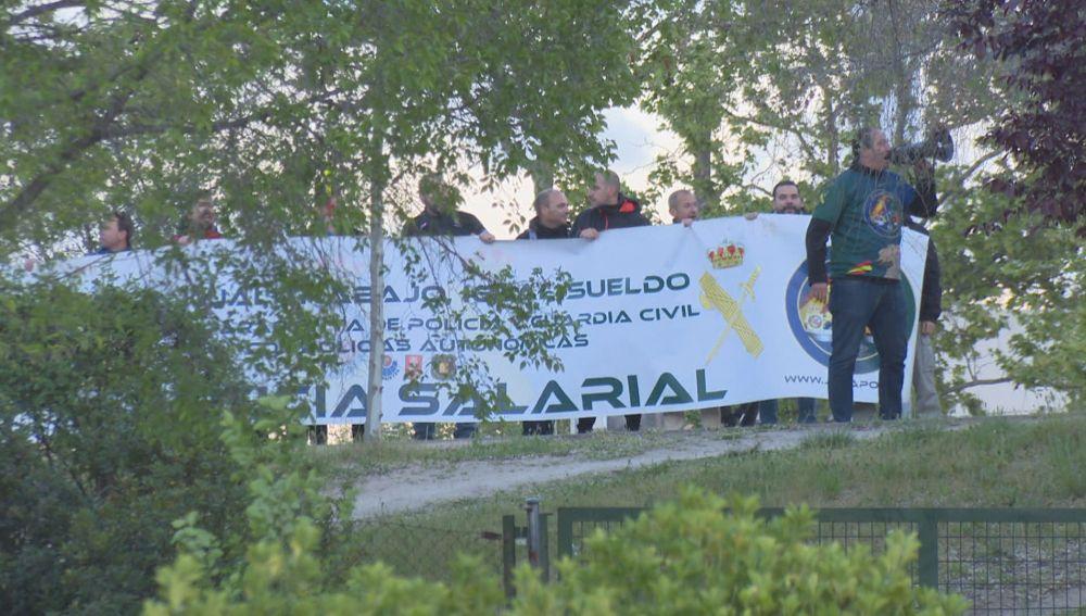 Miembros de Jusapol en las inmediaciones de Atresmedia