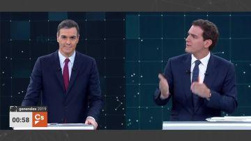 Pedro Sánchez y Albert Rivera, en el debate electoral de TVE