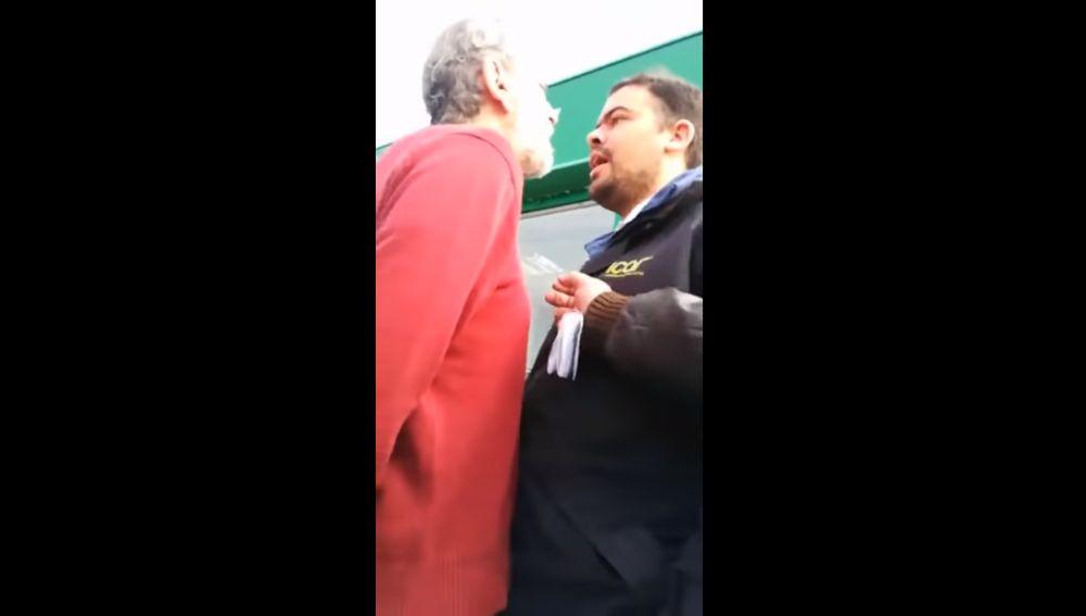 Discusión entre Willy Toledo y un trabajador venezolano