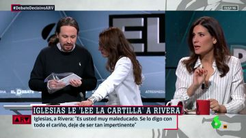 El consejo de Noelia Vera a Pablo Iglesias fuera de cámaras en el El Debate Decisivo