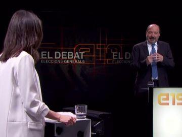 Inés Arrimadas le redacta la carta de dimisión al director de TV3 y se la entrega en pleno debate electoral