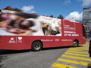 Imagen del nuevo autobús lanzado por Hazte Oír contra la ley del aborto