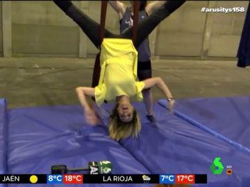Bea Jarrín sorprende con unas espectaculares acrobacias en la presentación del festival Mulafest