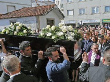 Multitudinario adiós a los dos jóvenes gallegos asesinados en Sri Lanka