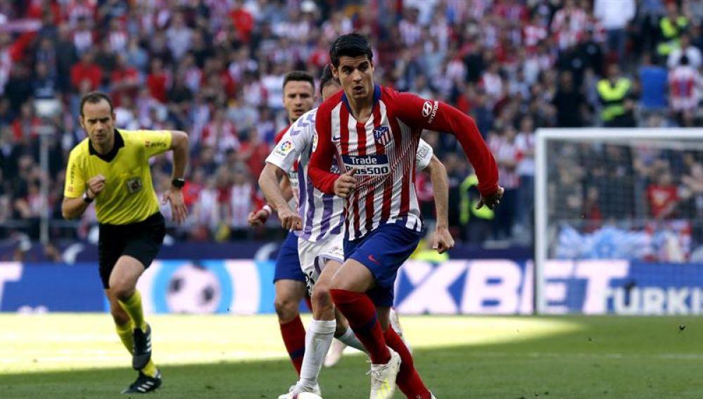 Álvaro Morata, en una gran acción ante el Real Valladolid.