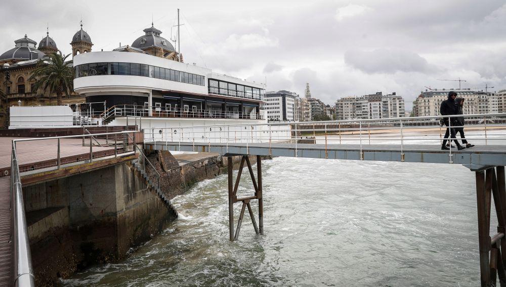 Vista del exterior de una conocida discoteca de San Sebastián donde se ha producido una pelea