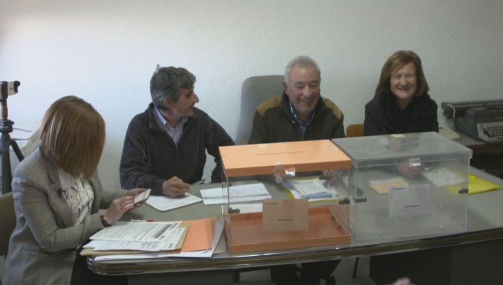 Votación en Villarroya, La Rioja