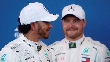 Hamilton y Bottas en Bakú