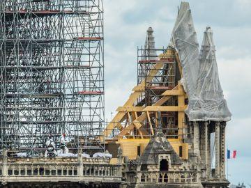 Vista de los trabajos en la catedral de Notre-Dame