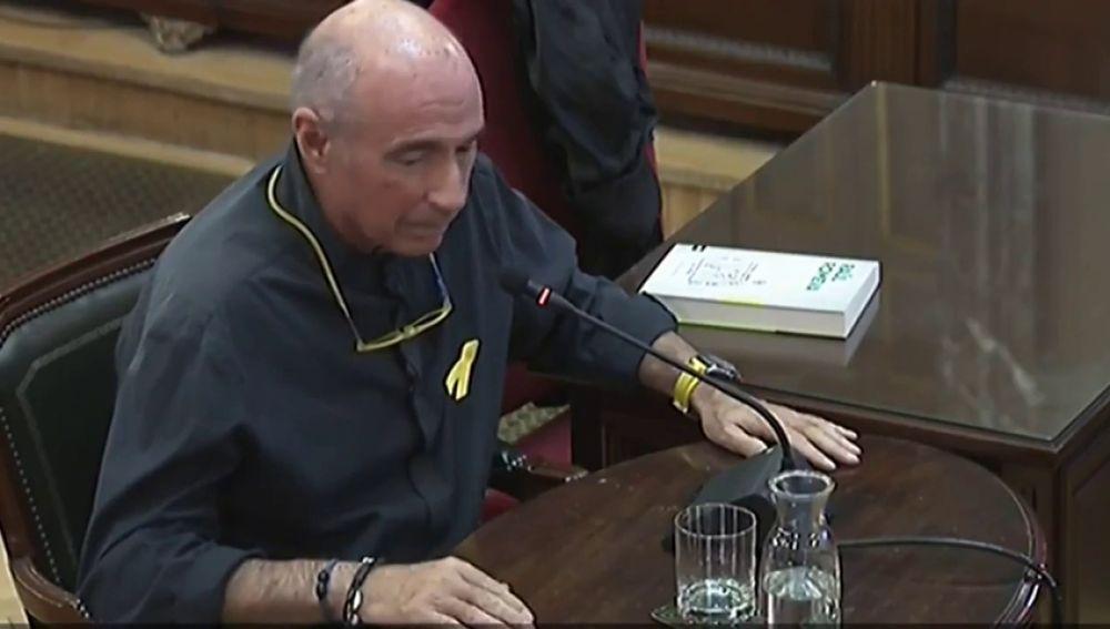 """Lluís Llach protesta ante Vox en el juicio del procès """"como ciudadano homosexual e independentista"""""""