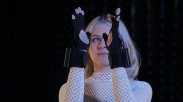 Los guantes mágicos que hacen brotar la música de las manos