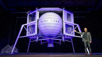 Jeff Bezos presenta 'Blue Moon', el plan para llegar a la luna y establecer comunidades habitables