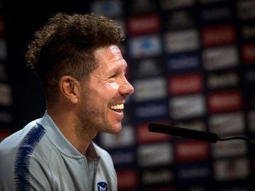 Simeone, sonriente en rueda de prensa