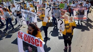 Las madres de miles de desaparecidos se han manifestado en México durante el día de la madre para reivindicar más información y ayuda