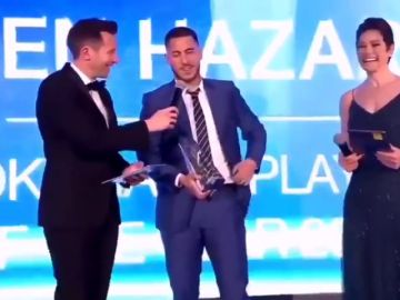 """La respuesta de Hazard cuando le piden renovar con el Chelsea: """"¿Dónde está el bolígrafo?"""""""