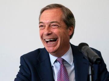 El líder del Partido del Brexit, Nigel Farage, durante una rueda de prensa