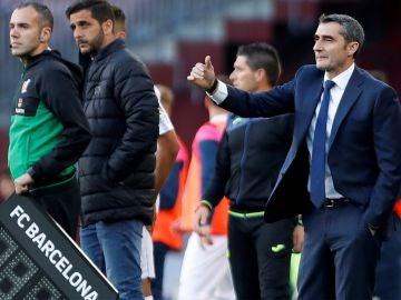 Valverde da instrucciones en la banda