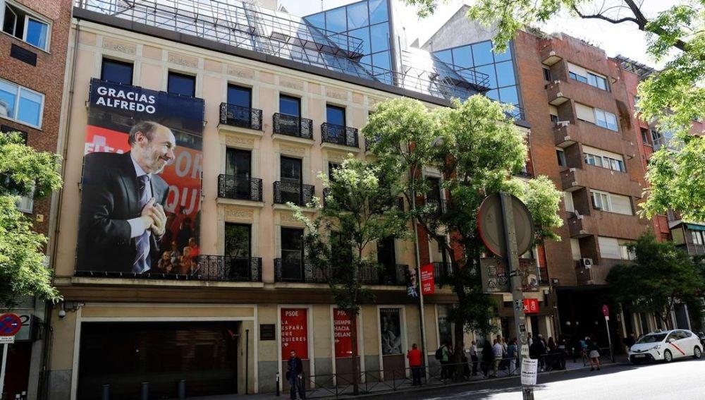 Pancarta de Alfredo Pérez Rubalcaba en el PSOE