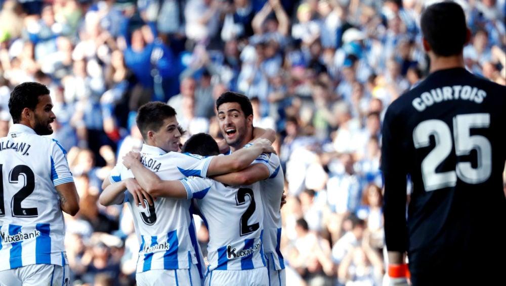 La Real Sociedad celebra un gol ante el Real Madrid