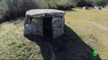 Una excavadora destruye tres tumbas de hace 6.000 años en Galicia por un error