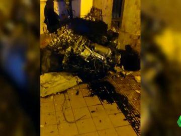 Un brutal accidente deja un herido grave en Valencia y varios destrozos materiales