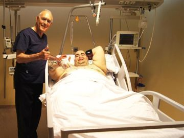 Teo Rodríguez con el doctor Carlos Ballesta