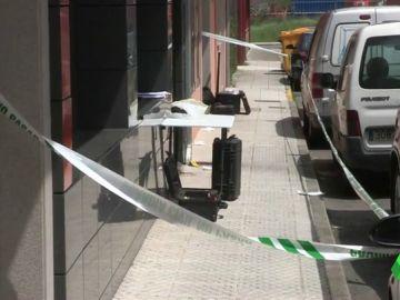 La Policía busca a la expareja de una mujer apuñalada en Vimianzo, A Coruña