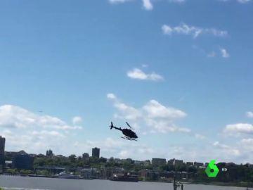 Un helicóptero se estrella en el río Hudson tras perder el control después de despegar