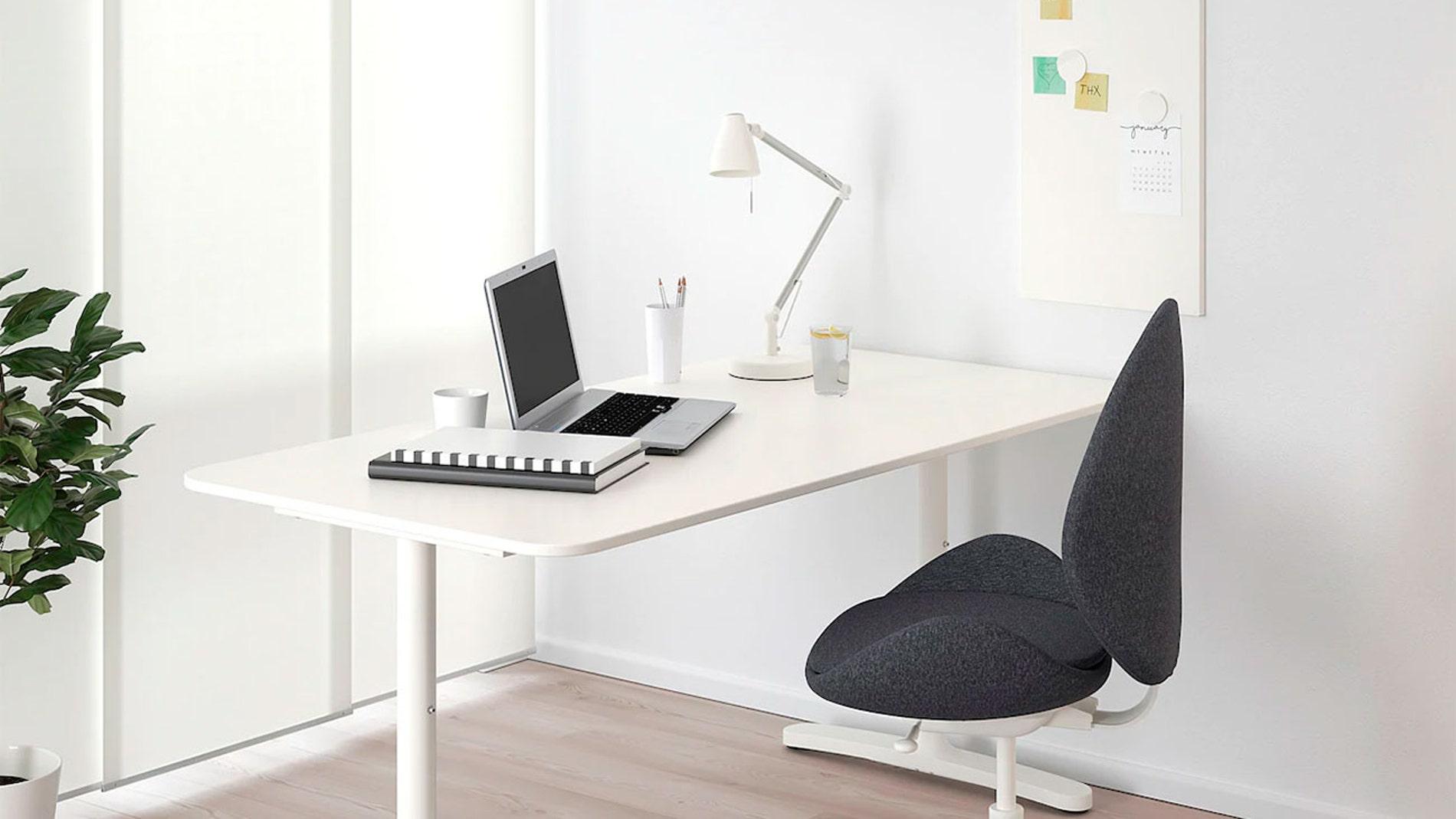 Mesa de oficina BEKANT de IKEA