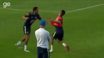 Vacilan a Neymar: se pica con un juvenil que le hizo 'un caño'