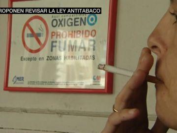 La ley antitabaco de 2011 ya no es eficaz: los expertos proponen nuevas medidas para paliar el aumento de fumadores