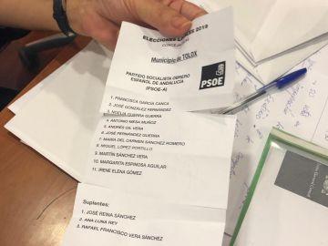 La papeleta del PSOE cortada con tijeras