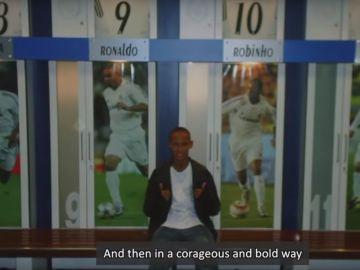 Neymar, en el vestuario del Real Madrid