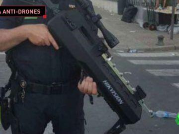 El arma anti-drones de la Policía: un rifle con alcance de dos kilómetros