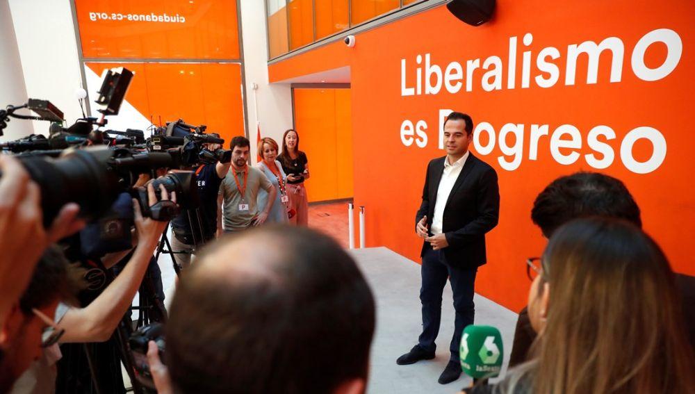 Ignacio Aguado en la sede de Cs