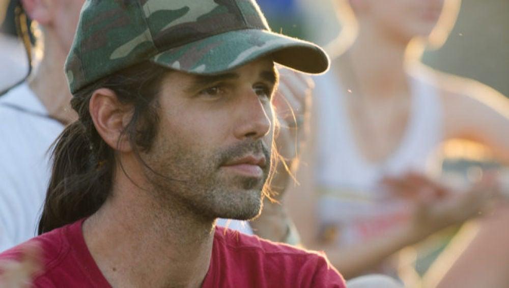 Scott Warren, fue detenido por prestar ayuda humanitaria a dos migrantes que cruzaban el desierto de Arizona.