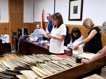 Imagen de un momento del recuento oficial realizado por la Junta Electoral de las elecciones municipales de León